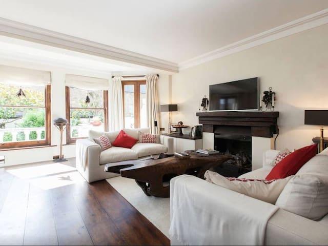 Elegant Italian Styled two Bedroom Flat - Londres - Apartamento