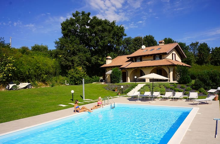 Villa Gasco 7 Sleeps Villa With Pool And Vineyards In Pacengo di Lazise - Lazise - Huis