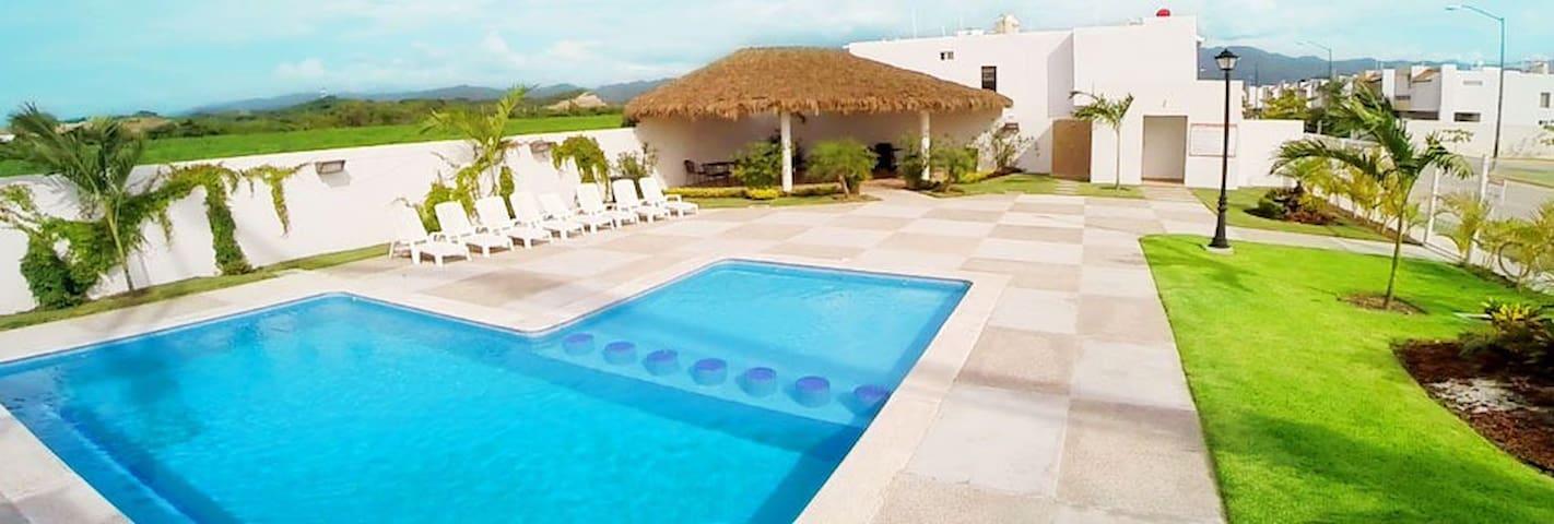 Casa cómoda, cerca de playa, aeropuerto y marina