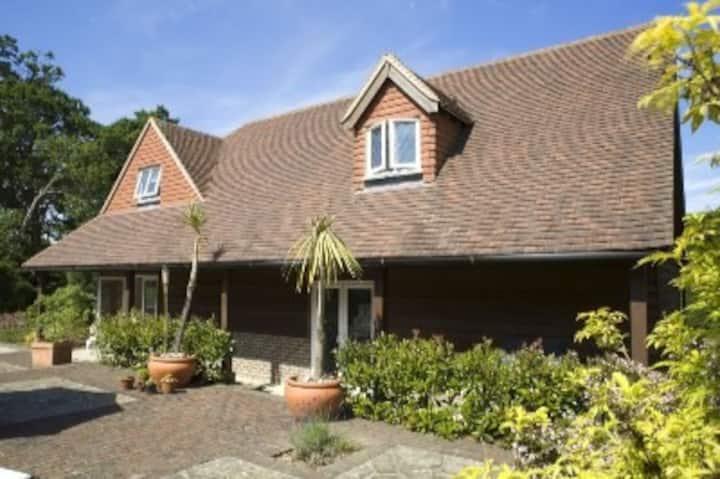 Ruttingham Cottage - Piltdown Farm home