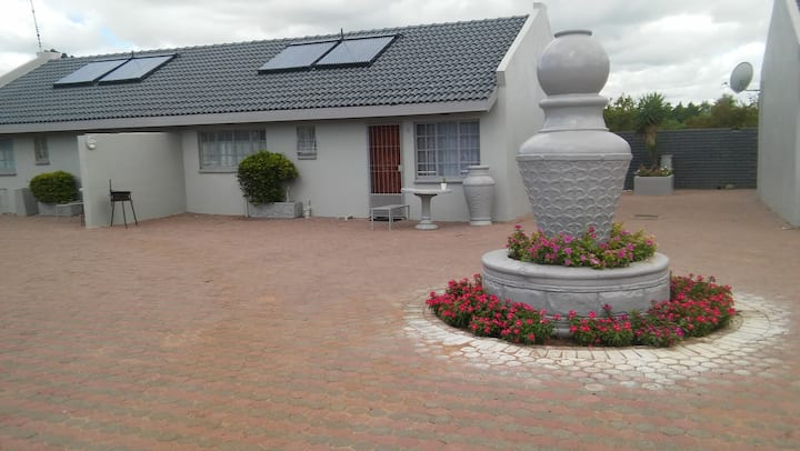 Polokwane Self Catering Far North (Room 3)