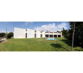Villa de diseño junto a Club de Golf Costa Brava - Santa Cristina d'Aro - Villa