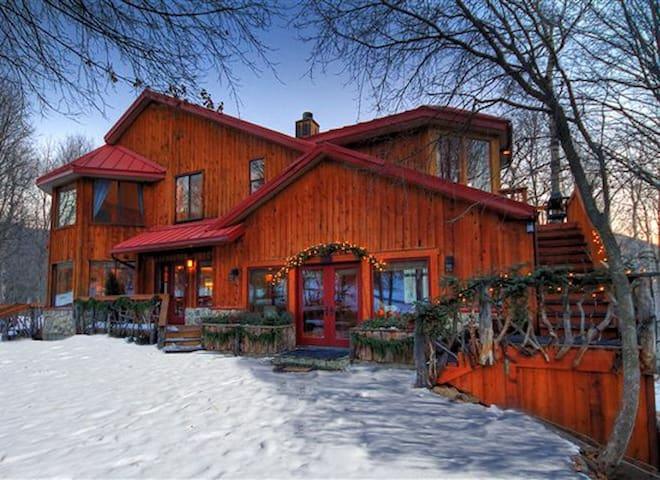 Rustic Elegance! Views! Walk to Resort. Sleeps 10 - Sundance - Casa