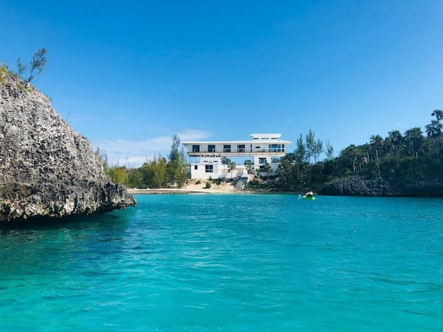 Estate on Caribbean Cove w/ Private Bch, Pool