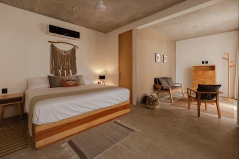 Casa UMI (Madeira Room) Little Mexican Hotel