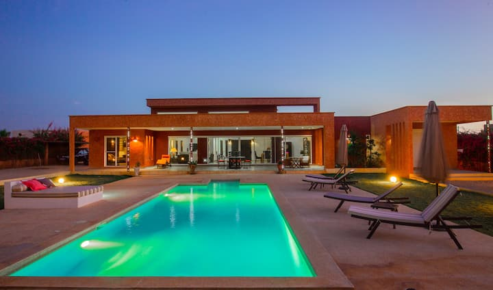 Spacieuse villa de luxe piscine privée