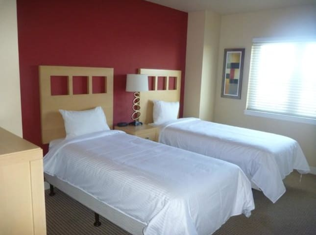 Twin beds in second bedroom  ***PLEASE NOTE: This is a resort property and the actual unit you stay in will be determined upon check-in, so its size and decor may slightly differ from the pictures on this listing.***