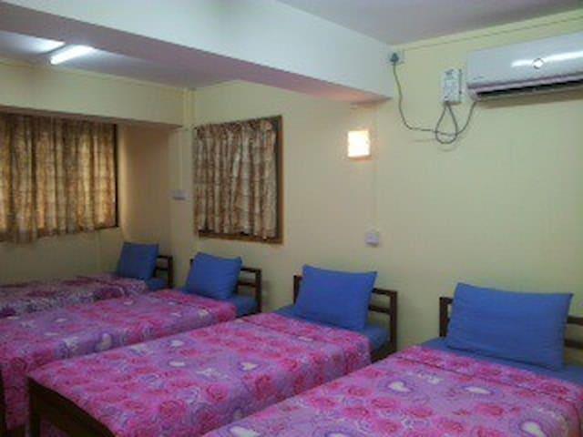 Hninn Si Budget Inn RM 4 (Quad RM)