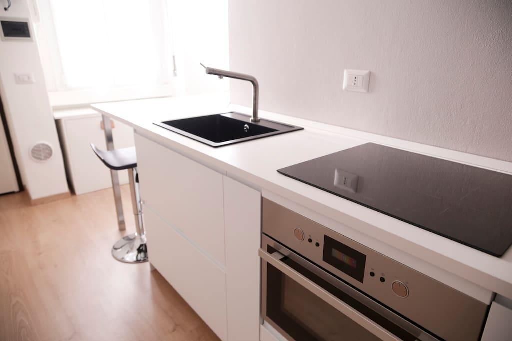 Cucina completa con forno e induzione