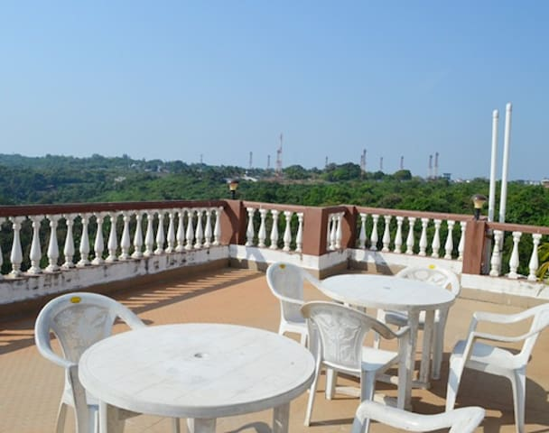 1 bedroom with Terrace with Breakfast @Bogmalo