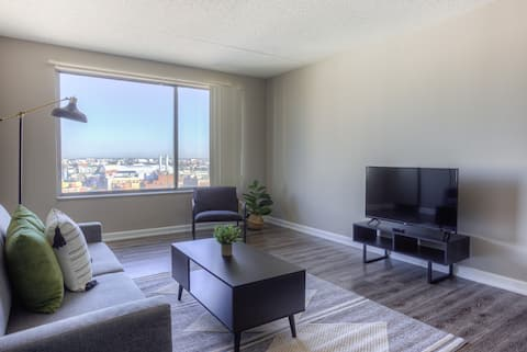 Sunny + Spacious 1 BR in the heart of Downtown