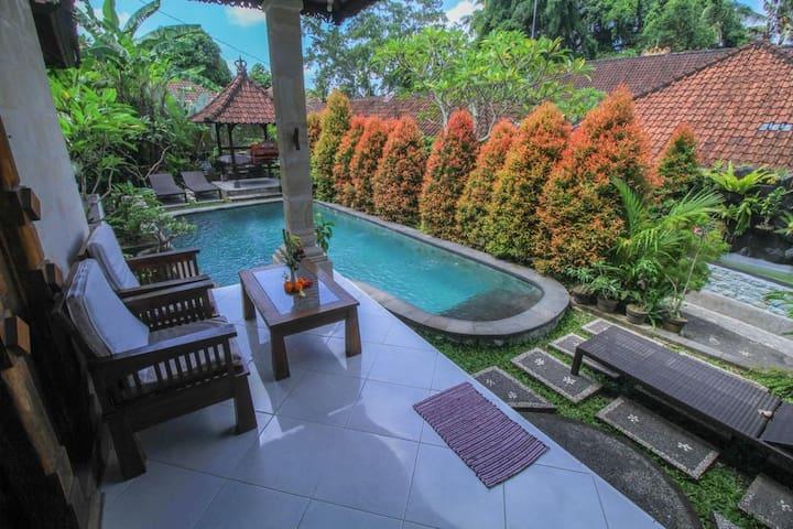 Amazing 1BDRM Villa- Less than 5 minutes from ubud