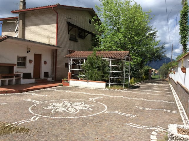 Independent Villa, 220 sq. m, Selvotta, Cassino