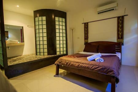 Lamai house beach  Room no seaview - maret  - Bed & Breakfast