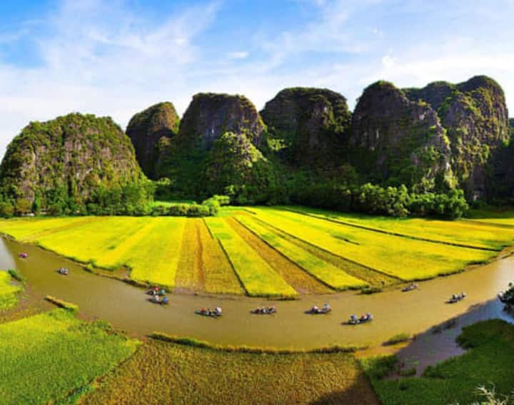 Tam cốc relax homestay has mountain view of field