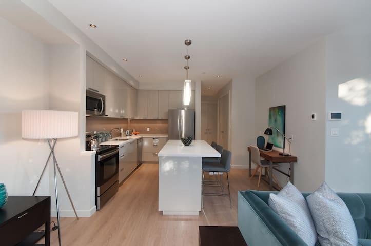 Luxury Suite Near Beaches & Ski Hills
