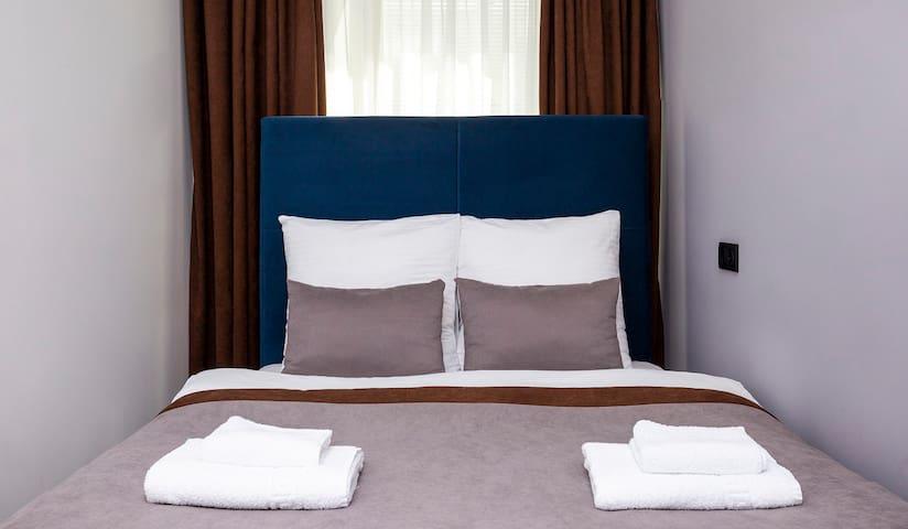 Стандартный номер с двуспальной кроватью.