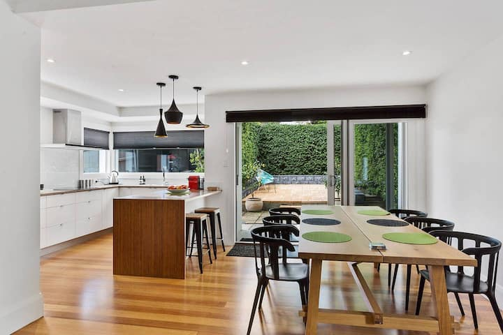 Pillinger Street - luxurious renovated home