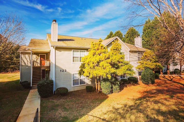 Quiet, calm home just minutes from Lake Norman! - Mooresville - Huoneisto
