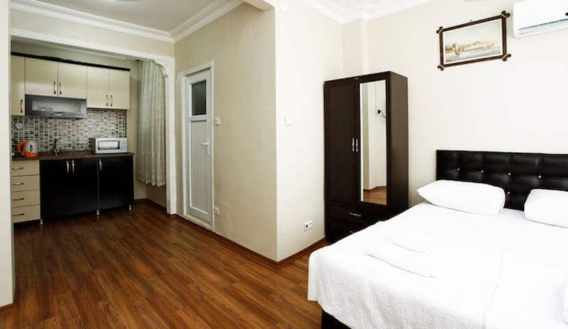 The Heart of Sultanahmet - Studio Apartment