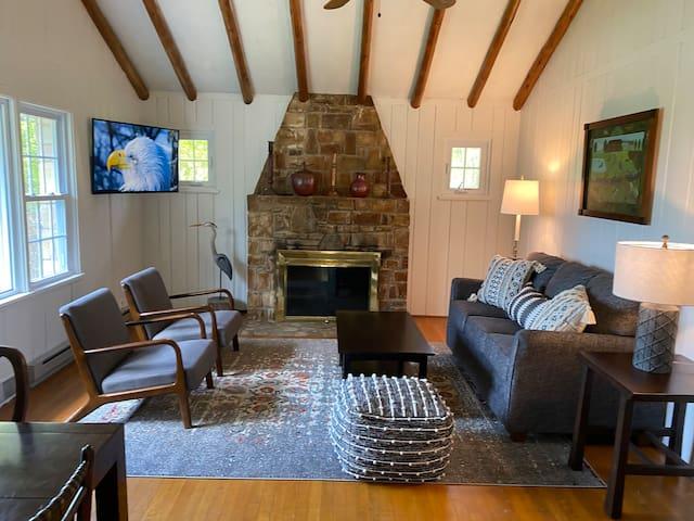 Ephraim Stone Cottage + Cabin