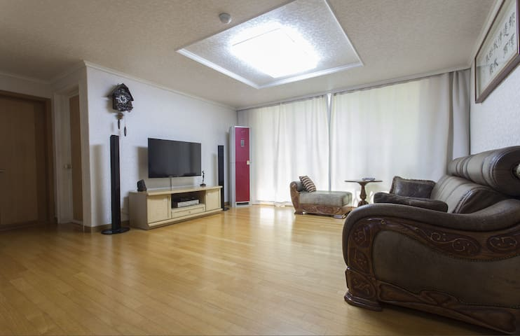 Entire river view flat near Itewon - Yongsan-gu - Appartement