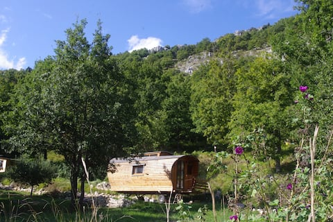Eco-responsible lodge close to the french riviera
