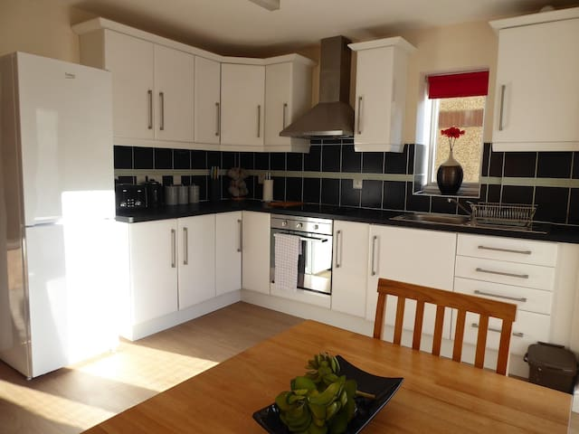 No7 Glan Nodwydd - Perfect for Couples & Families