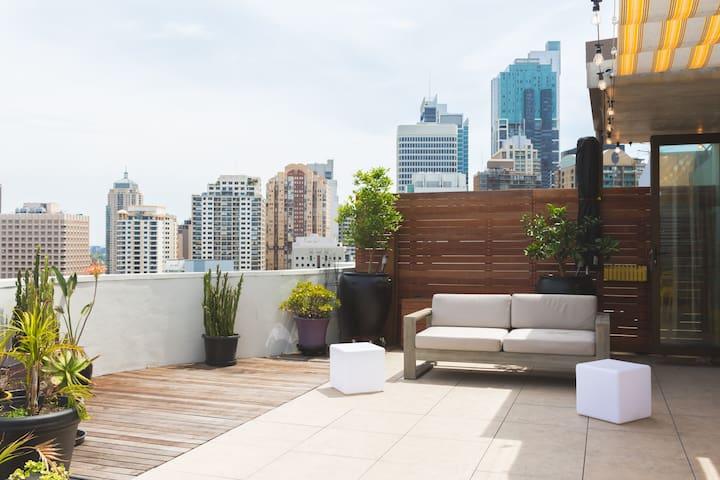 Oversized balcony with unbeatable views!