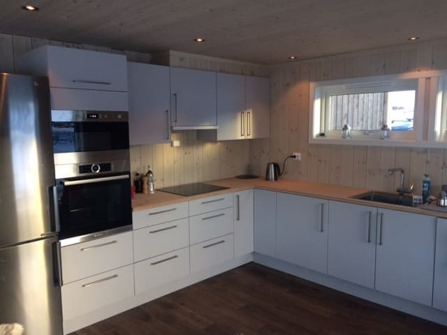 Large room in new, modern cottage with great view - Øystre Slidr kommune - Chalet