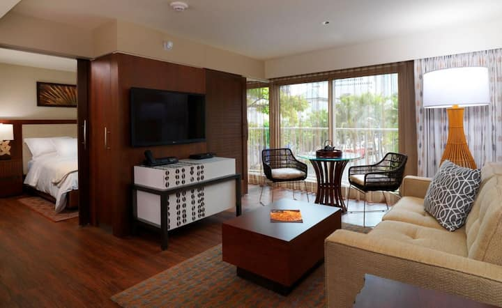 Heavenly Hi-End 1BR Suite Near Waikiki Beach