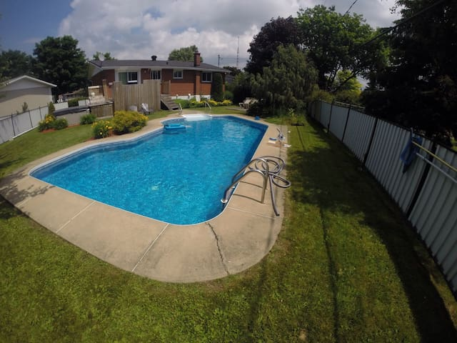 House with pool 2 bedroom , - Châteauguay - Rumah
