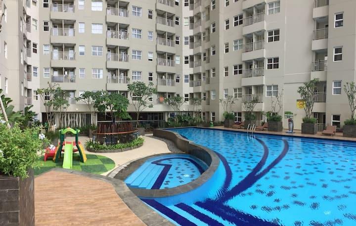Comfy at strategic location parahyangan residence