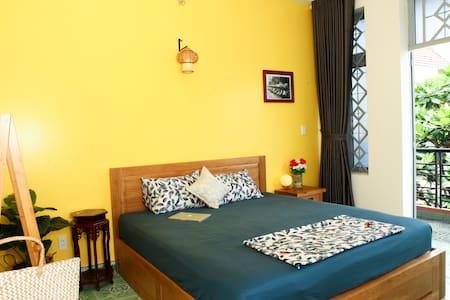 P8Cozy private room w private balcony near Airport