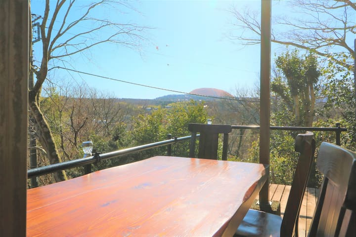 Lakeside Villa with Mountain View in Izu