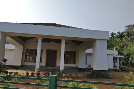 Private room in a Colonial Bungalow - Mananthavady - Bungalo
