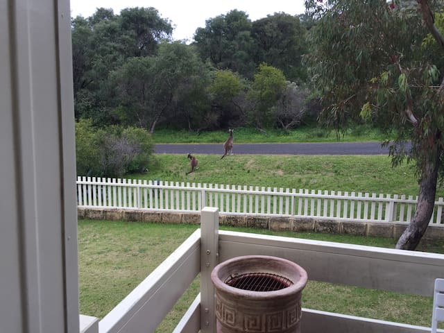 Myalup Beach / Myalup Beach Cottage Escape