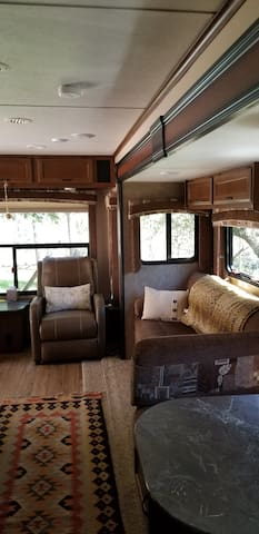 LUXURY  Jayco trailer in the Pines!