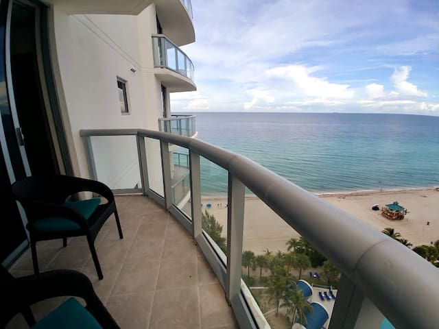 Welcome to our ocean front suite 15B (+hotel fees)