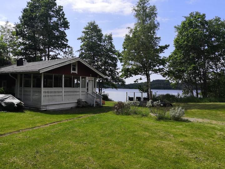 Sjödalaro - Mysig stuga vid sjön