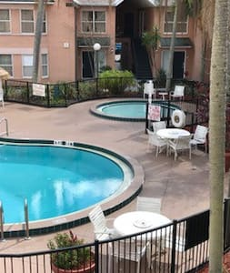 Affordable Villa in Kissimmee near Attractions - 基西米 - 別墅