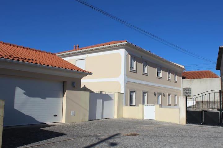 B&B-10 km de Fatima - Alqueidão da Serra - Bed & Breakfast