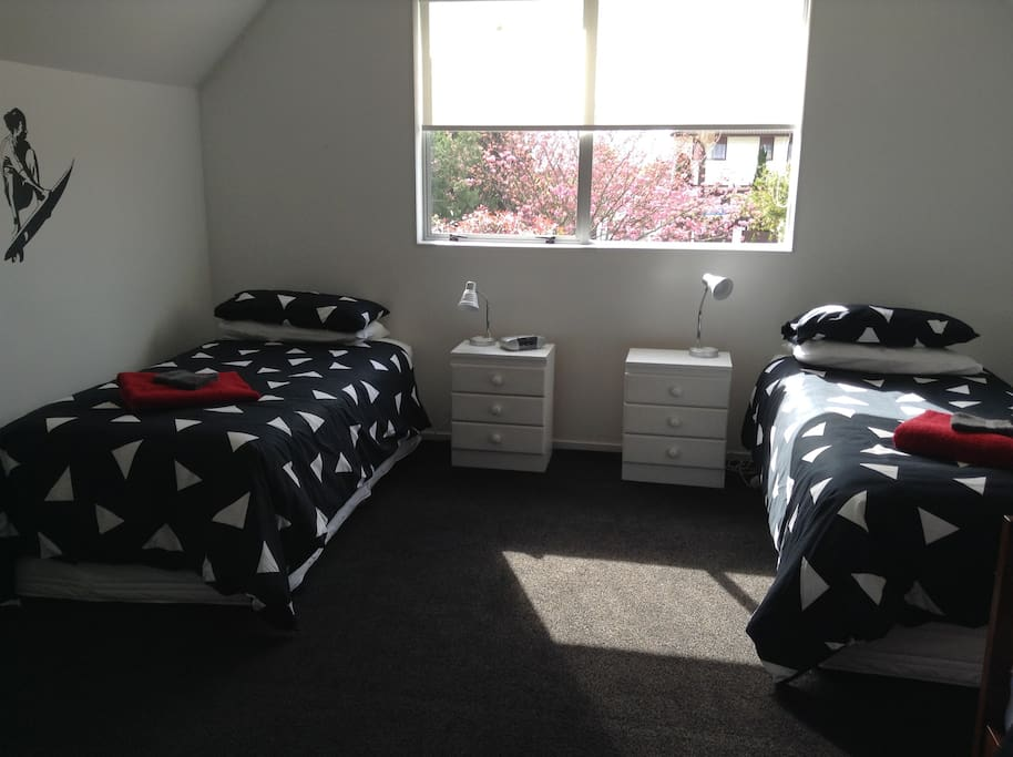 Room with 2 single beds.