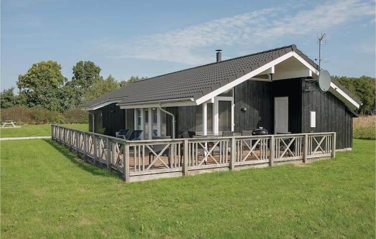 Holiday cottage with 3 bedrooms on 100m² in Storvorde