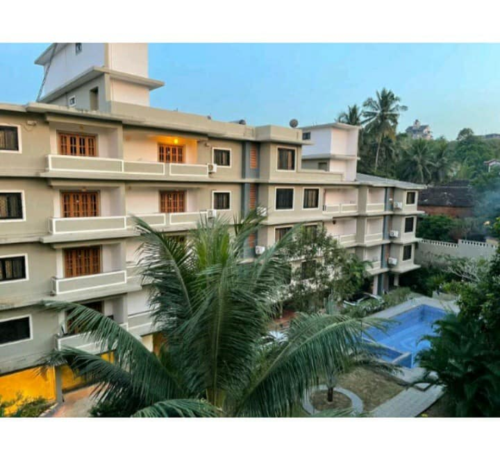 COMFY 1 BHK Apartment with pool near Calangute