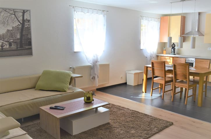 Lovely Appartment with 2 bedrooms in Westhofen