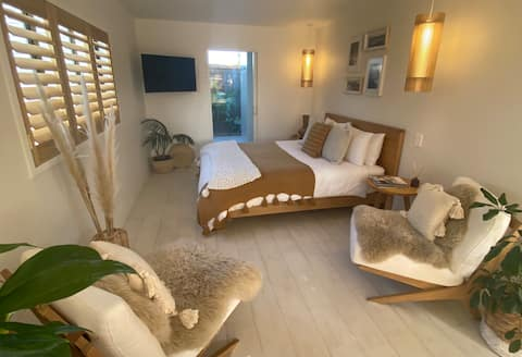 The Fat Fish    Boutique Beach Style Accommodation