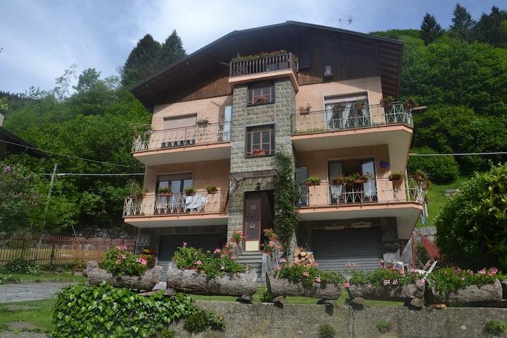Casa nel cuore del paese in una Valle Fantastica