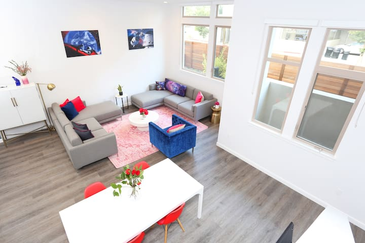 TRIBE ❤️ Huge 2-Level Loft @ Main Street Cupertino