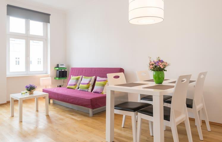 2rooms comfortable apartment Berlin-Charlottenburg